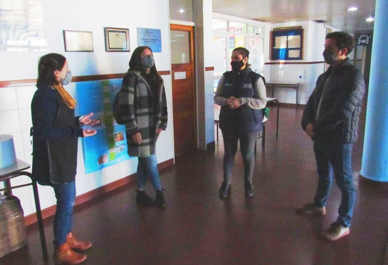 Diego Bartalotta junto a Claudia Colaso recorrieron la Escuela Nº 506.